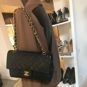 Handbags - Auth Classic Medium GHW CHANEL Double Flap 2.55